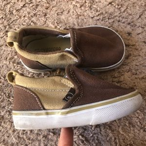 Gymboree size 5 canvas shoes